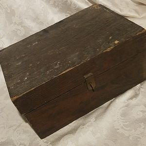 Old Box/ Antique or Vintage